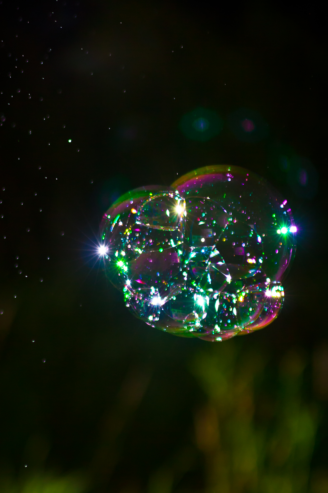 Seifenblasen in der Nacht