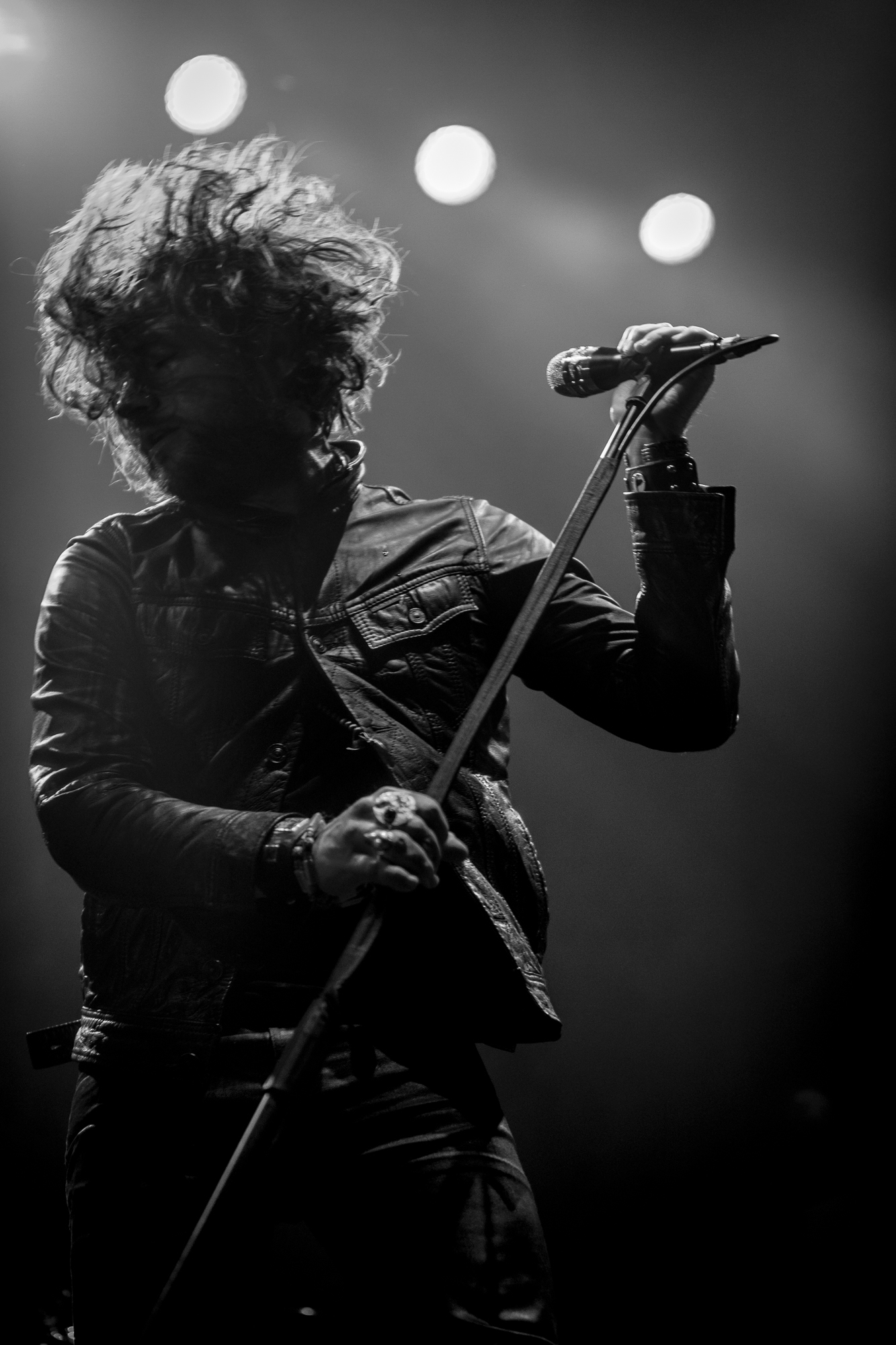 Rival Sons - Jay Buchanan (2)